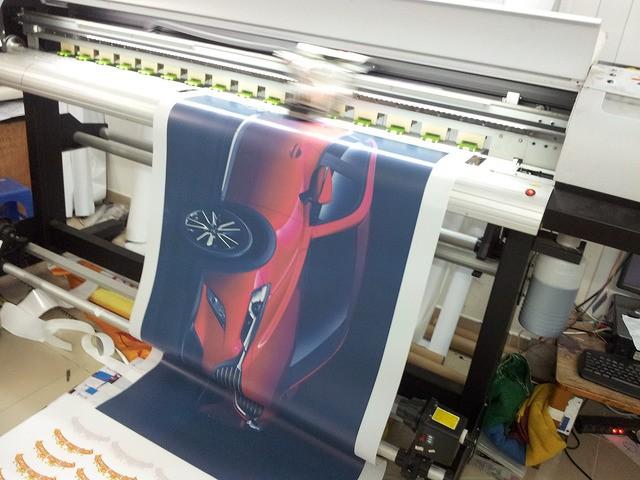 In backlit film trang trí showroom ô tô - in backlit film mực nước