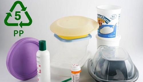 Không chú ý kí hiệu dưới nắp chai, hộp nhựa dễ dẫn tới ung thư(4)
