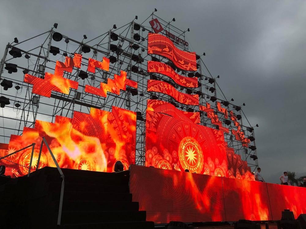 Thi công màn hình Led ngoài trời theo chủ đề hình thuyền ra khơi tại Tượng Đài Nguyễn Sinh Sắc Nguyễn Tất Thành