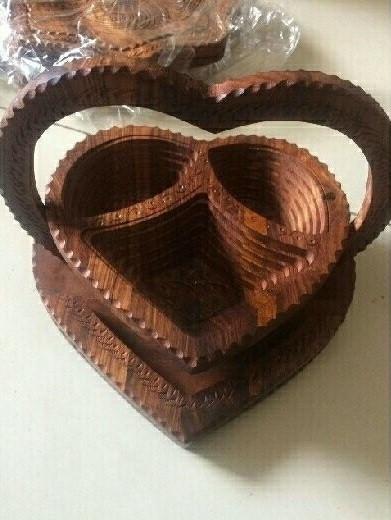 Khay gỗ hình trái tim