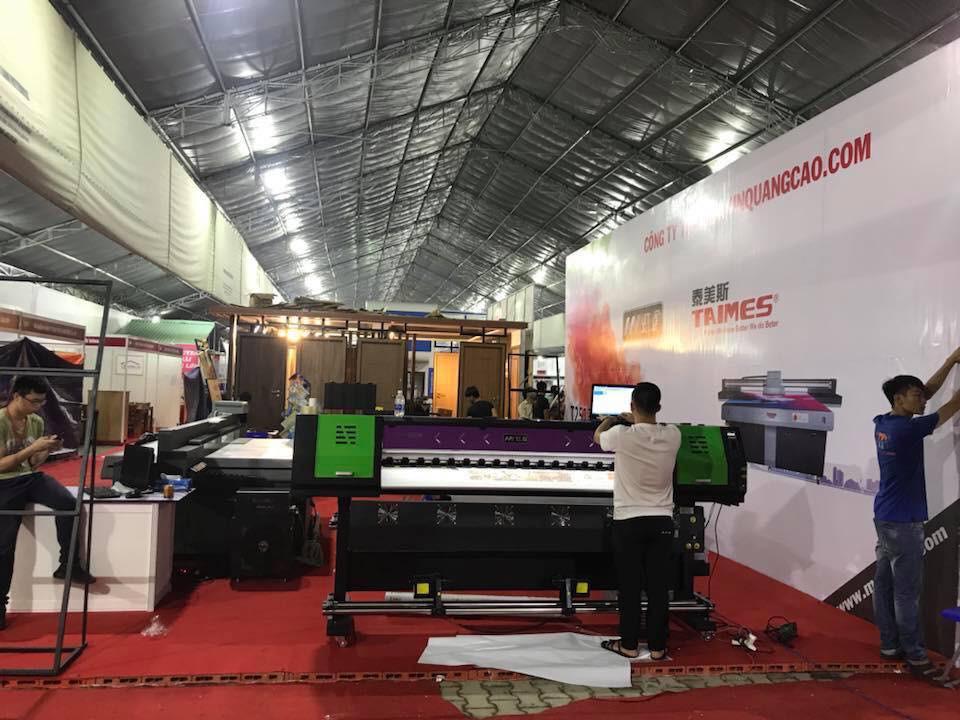 Công ty TNHH MayInQuangCao.com với gian hàng máy in quảng cáo khổ lớn tại Hội chợ VietBuild lần 1 năm 2018 tại TPHCM