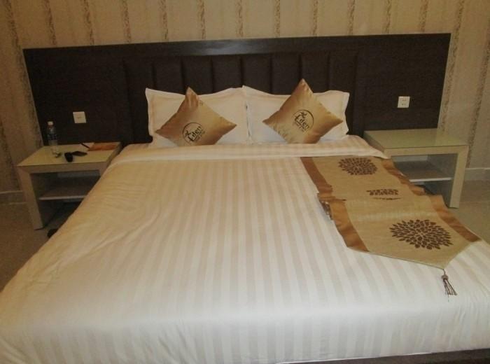 Chăn drap gối nệm khách sạn(3)