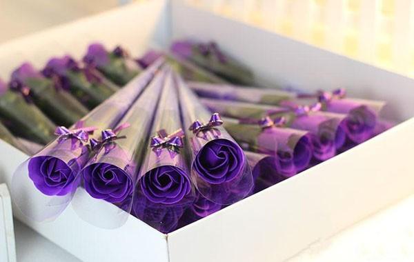 Ý nghĩa của hoa hồng sáp mà bạn muốn gửi gắm(2)