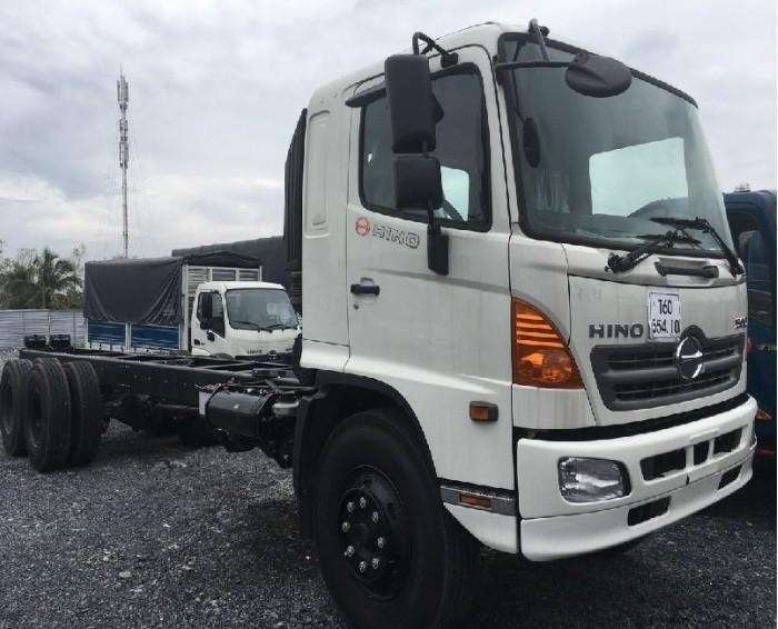 Giá xe tải Hino FL 16 tấn(4)