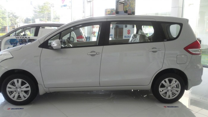 Suzuki Ertiga 2018 giá bao nhiêu?