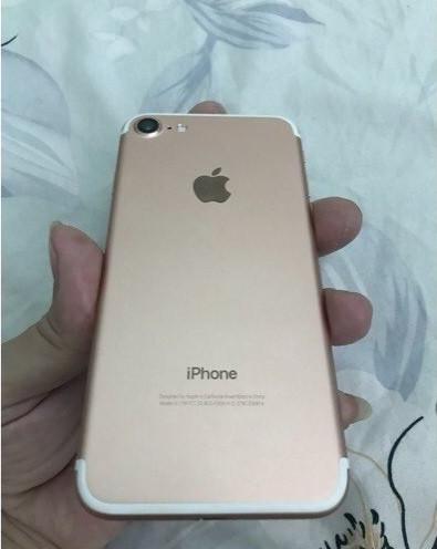 Kiểm tra hình thức bên ngoài iphone 7 xách tay(2)