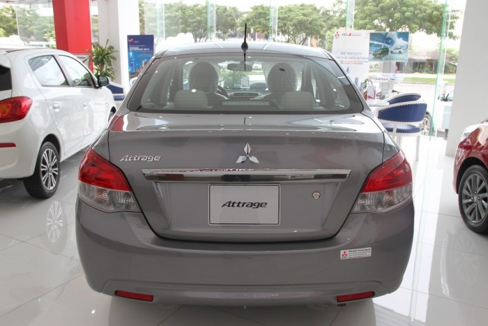Đánh giá xe ô tô Mitsubishi Attrage 2018