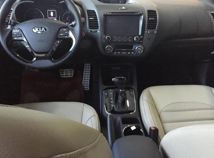 Đánh giá các phiên bản Kia Cerato 2018 về nội thất(1)