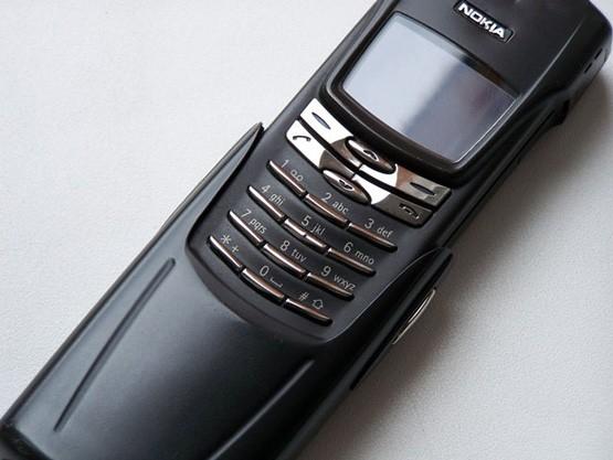 Huyền thoại Nokia 8910i màn hình màu hoài cổ hiện thân của sự hoàn hảo