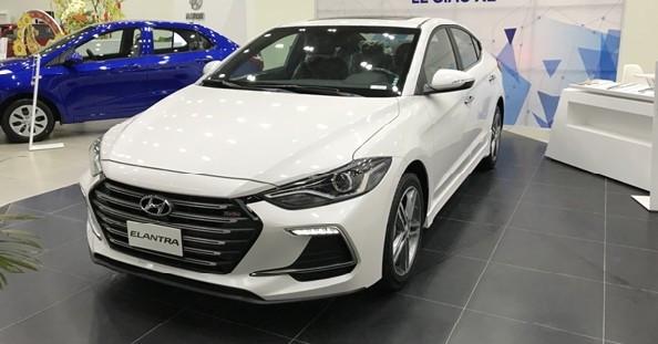 Về trọng lượng, kích thước, Hyundai Elantra 2018 và KIA Cerato 2018