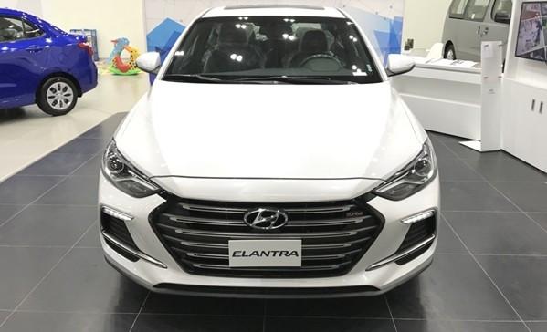 Thiết kế Hyundai Elantra 2018 và KIA Cerato 2018