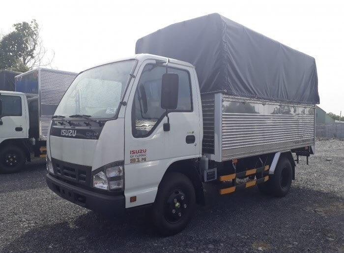Xe tải Isuzu 2.4 tấn giá bao nhiêu?