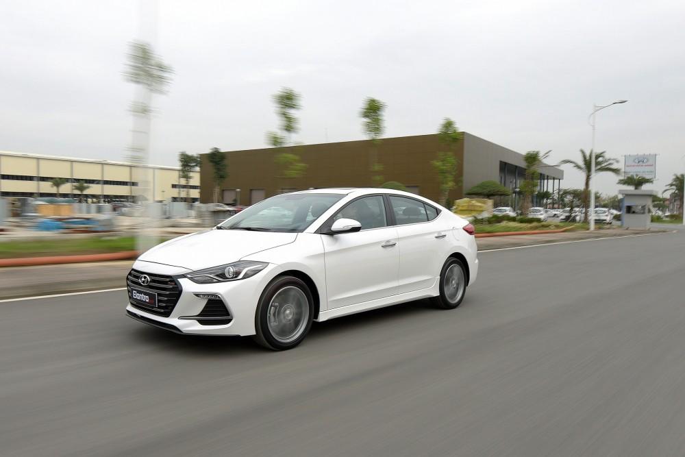 Hyundai Elantra Sport 2018 có gì mới ?(7)