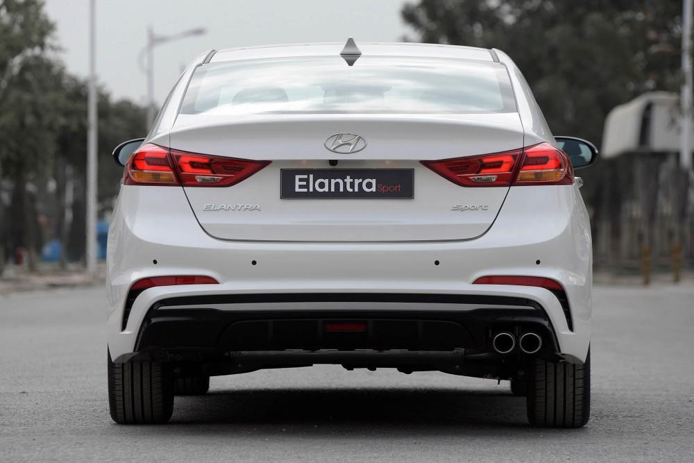 Hyundai Elantra Sport 2018 có gì mới ?(1)