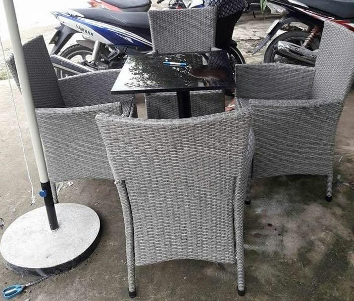 Cách bảo quản bàn ghế cafe nhựa giả mây