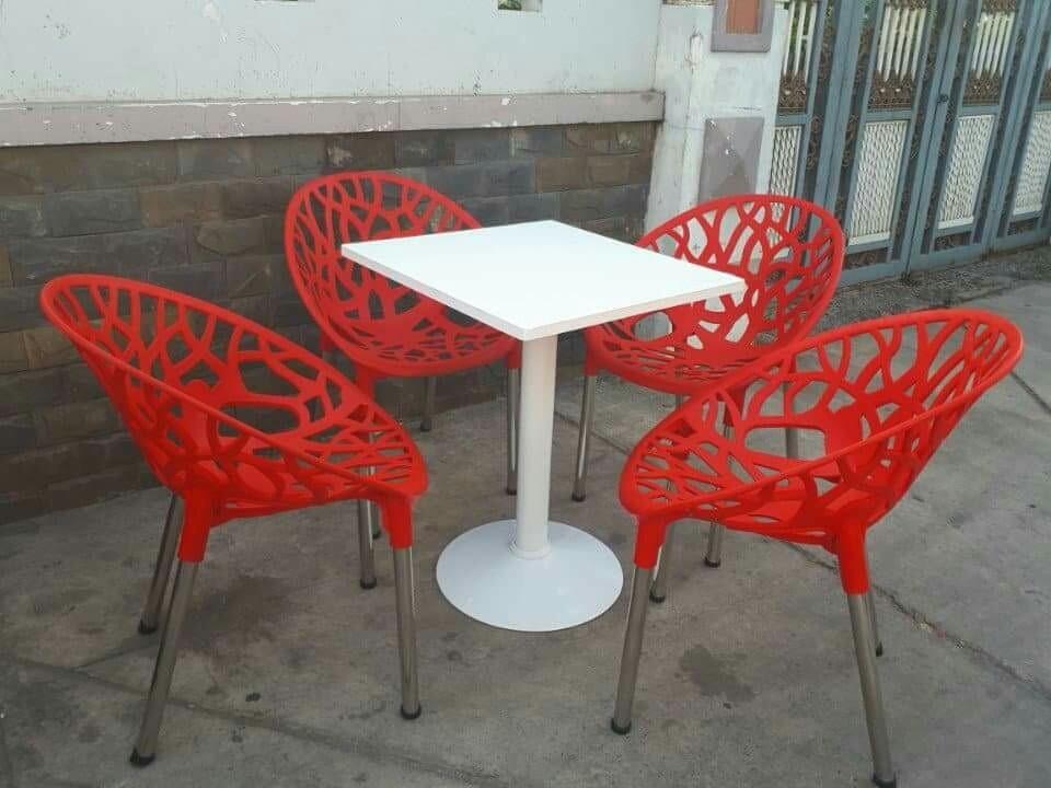 Kinh nghiệm lựa chọn bàn ghế cho quán cafe bạn nên biết