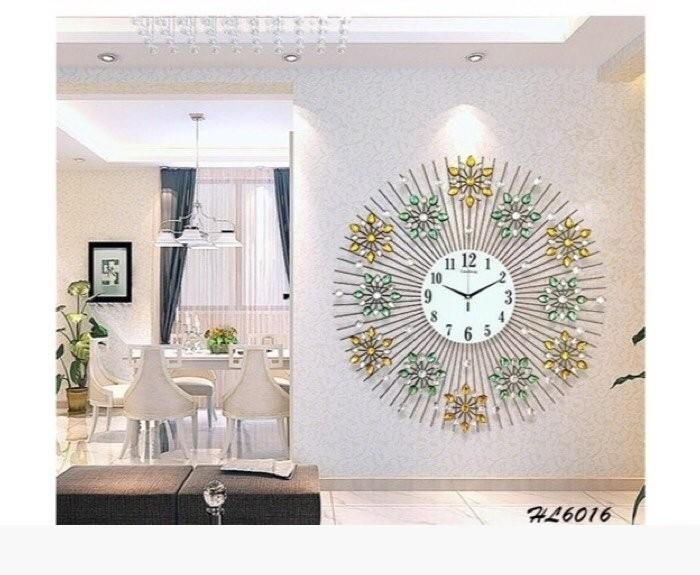 Cách chọn đồng hồ treo tường trang trí phòng khách đẹp(4)