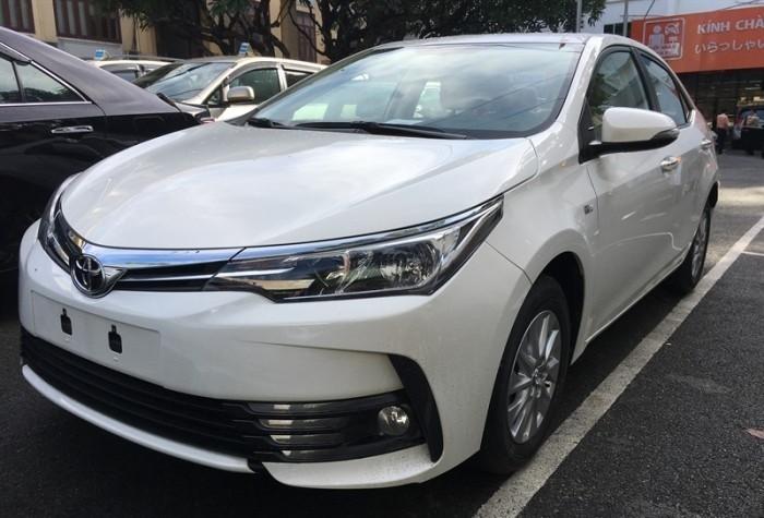 Giá xe Toyota Altis 2018