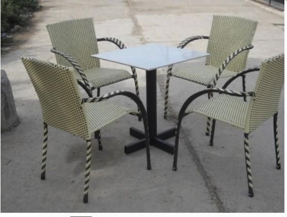 Các bộ bàn ghế giả mây giá rẻ
