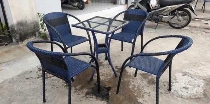 Hiện nay trên thị trường có rất nhiều các sản phẩm bàn ghế cafe nhựa giả mây nên chúng ta rất khó để phân biệt được loại nào thực sự tốt, bởi hiện nay nhiều cơ sở vì lợi nhuận mà cung cấp cho khách hàng những sản phẩm không đảm bảo. Sau đây mình xin chia sẻ đến một số kinh nghiệm chọn bàn ghế cafe nhựa giả mây chất lượng.