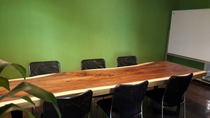 Ưu điểm của mặt bàn gỗ nguyên tấm làm từ gỗ tự nhiên(1)