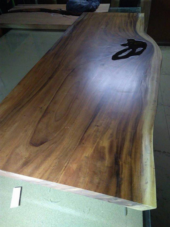 Ưu điểm của mặt bàn gỗ nguyên tấm làm từ gỗ me tây ( gỗ còng)