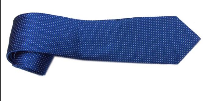 ủi cà vạt