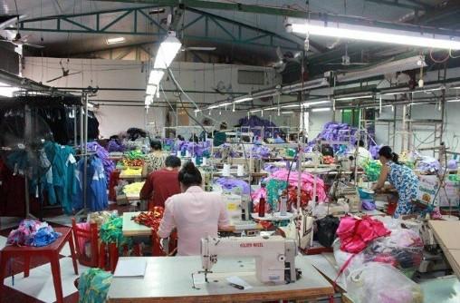 xưởng may quần áo thể thao