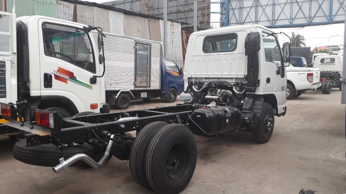 Xe tải Isuzu 2.4 tấn giá bao nhiêu hiện nay?