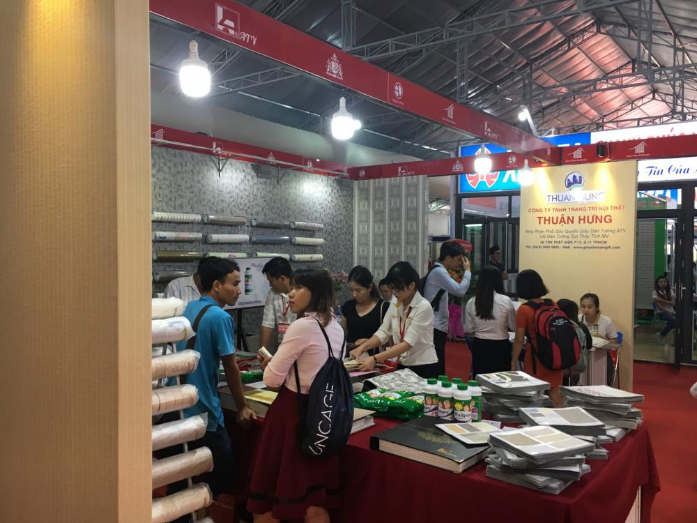 Vải dán tường Thuận Hưng tham dự hội chợ Vietbuld lần 1 năm 2018 tại trung tâm triển lãm SECC quận 7, TPHCM