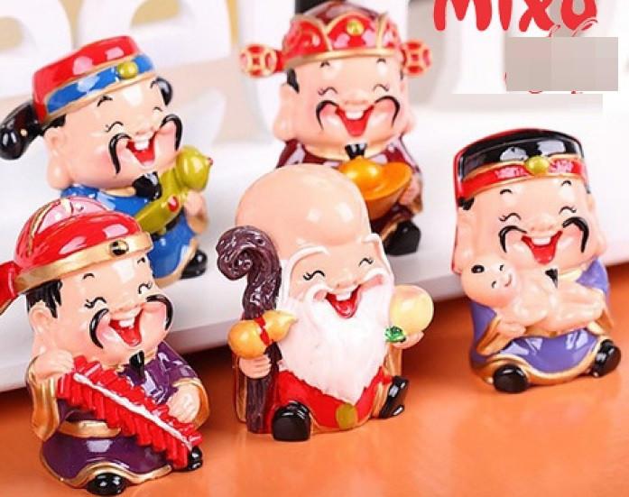 """Bộ tượng 5 ông thần tài ngộ nghĩnh trang trí ô tô, bàn làm việc """"đốn tim"""" giới trẻ Sài Gòn(4)"""