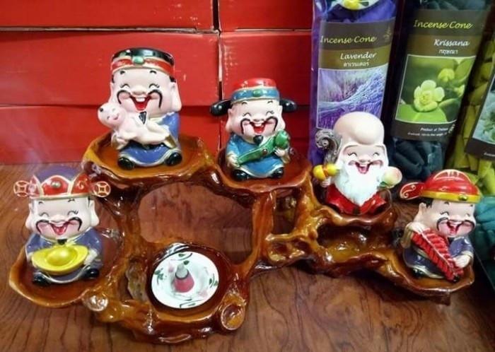 """Bộ tượng 5 ông thần tài ngộ nghĩnh trang trí ô tô, bàn làm việc """"đốn tim"""" giới trẻ Sài Gòn(8)"""