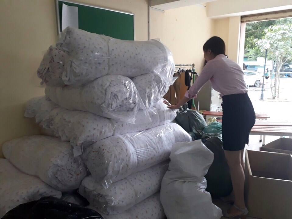 Nguồn vải được xử lý chờ may gia công tại xưởng