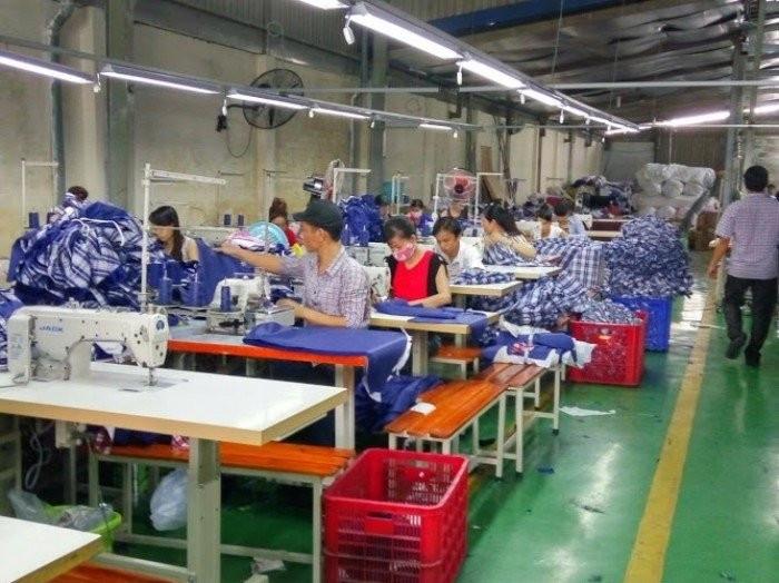 Xưởng may áo gió giá rẻ tại TPHCM
