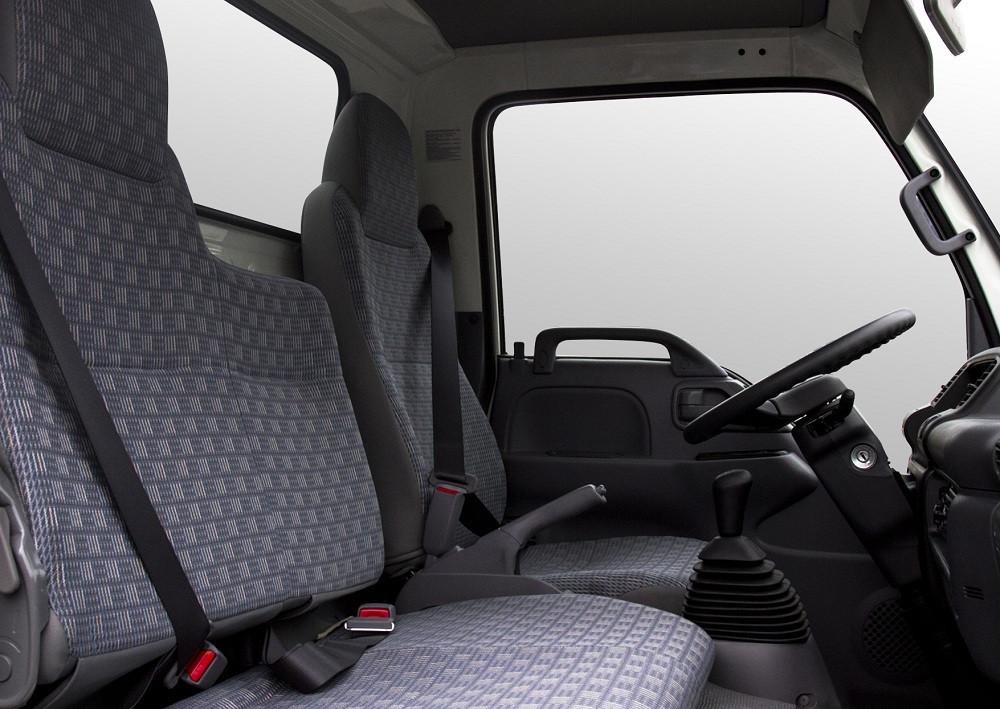 Ghế ngồi xe tải Isuzu 2.9 tấn QKR77HE4