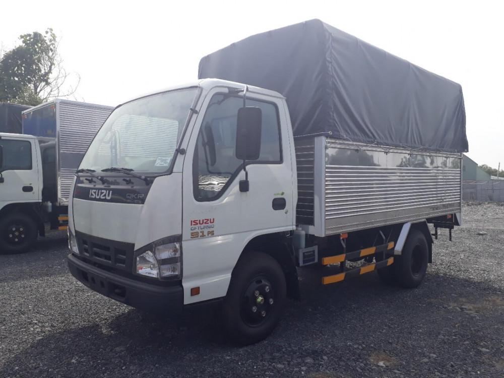 Giá xe tải Isuzu 2.9 tấn thùng mui bạt