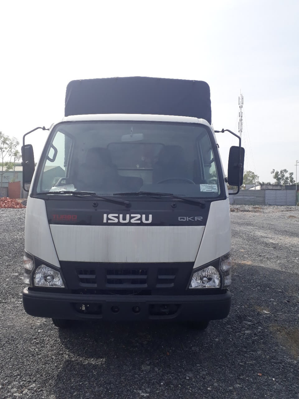 Ưu điểm chính của xe tải Isuzu 2.49 tấn thùng mui bạt