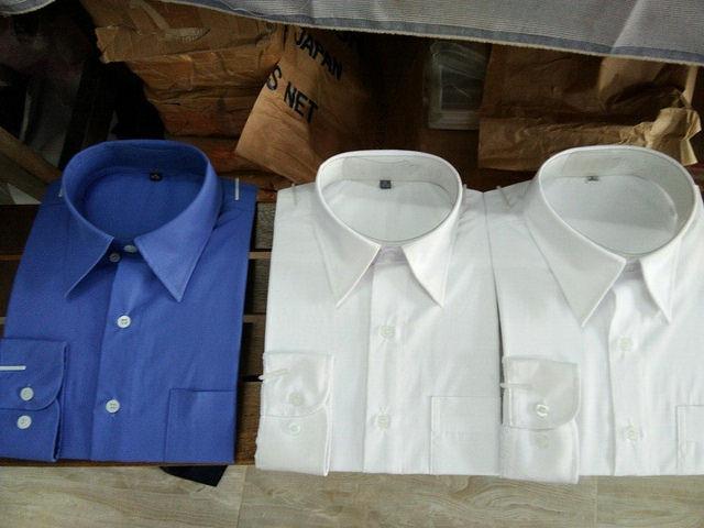 Mẫu thành phẩm may đồng phục công sở ở TPHCM - mẫu áo sơ mi nam với chất lượng may không thua hàng xuất khẩu