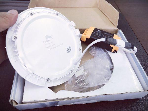 Sự khác biệt của đèn Lion với đèn chính hãng có thương hiệu nổi tiếng ngoài thị trường