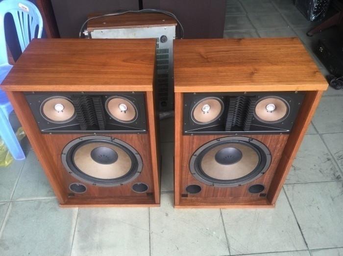 Nên mua loa thùng cổ điển nghe nhạc ở các cửa hàng Âm thanh vì sao?