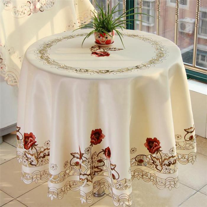 Giá khăn trải bàn tròn tại TPHCM phục thuộc vào kích thước