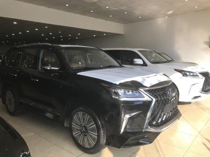 Xe Lexus LX 570 Super Sport 2018 giá bao nhiêu?(1)