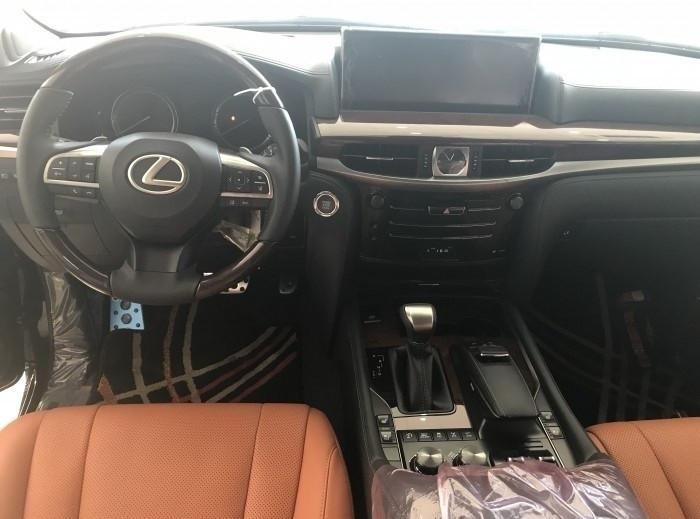 Xe Lexus LX 570 Super Sport 2018 giá bao nhiêu?(5)