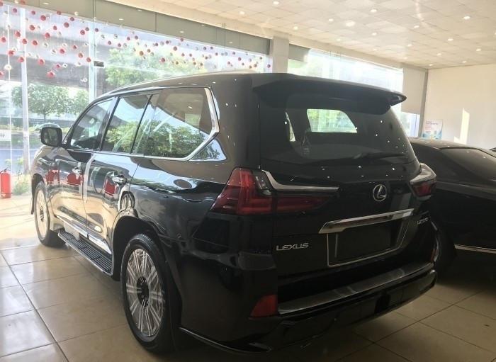 Xe Lexus LX 570 Super Sport 2018 giá bao nhiêu?(8)