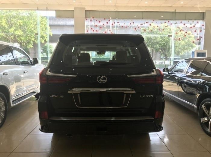 Xe Lexus LX 570 Super Sport 2018 giá bao nhiêu?(19)