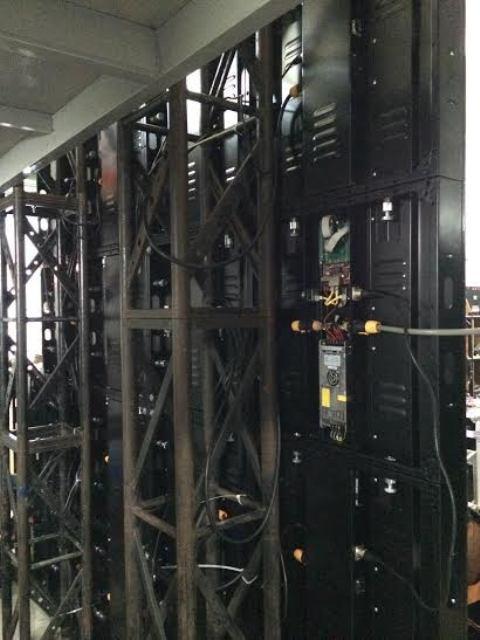 Thi công lắp đặt màn hình Led trong nhà P2