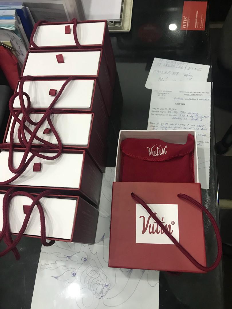 Đặt ví da Vutin số lượng lớn làm quà tặng đẳng cấp cho doanh nghiệp