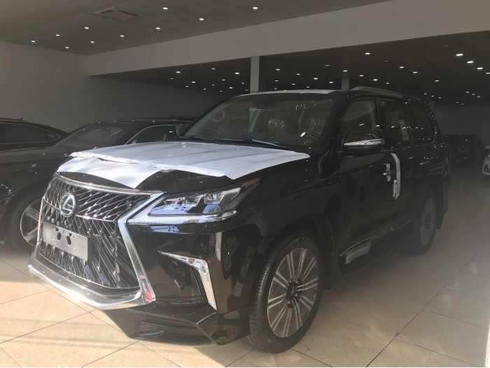 Đại lý bán xe Lexus LX 570 Super Sport 2018 uy tín tại Hà Nội