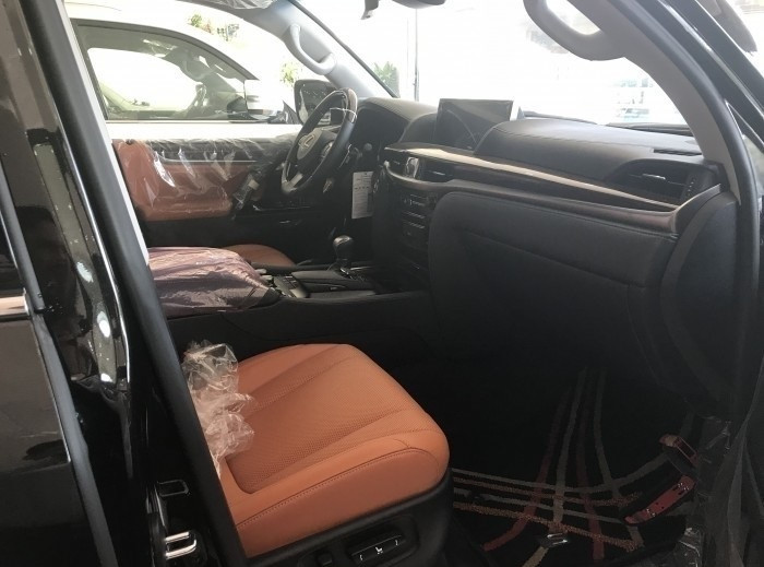 Nội thấtxeLexus LX570 Super Sport 2018