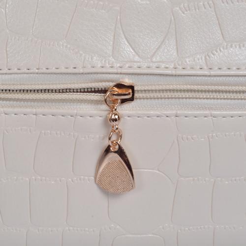 Mẫu bộ 3 túi xách màu trắng - khóa kéo mặt sau túi xách lớn
